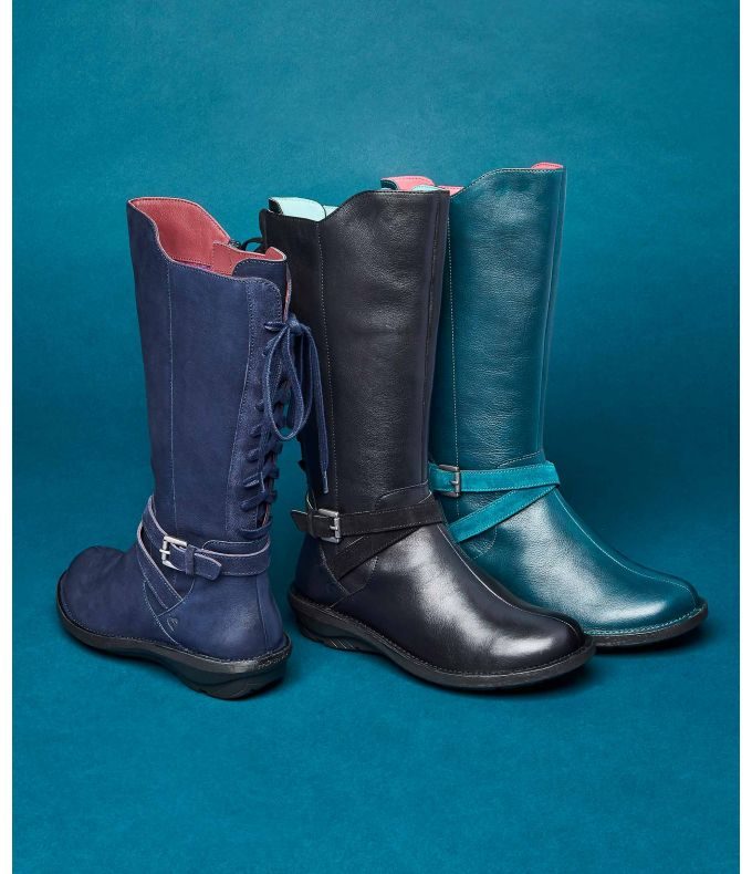 LLYN Lace-up mid-length boots